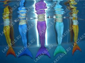 Русалки в разных хвостах под водой
